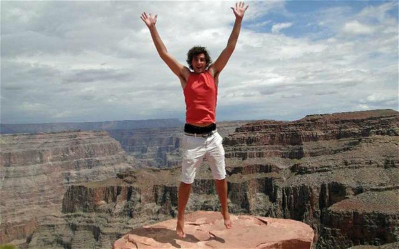 A passagem pelo Egito encorajou o jovem inglês a conhecer cada cantinho do mundo.